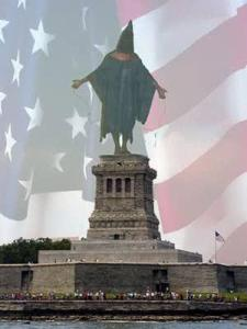 statuehooded